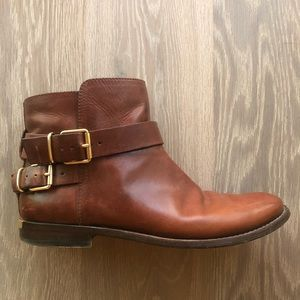 Burberry women's leather boots 9.5